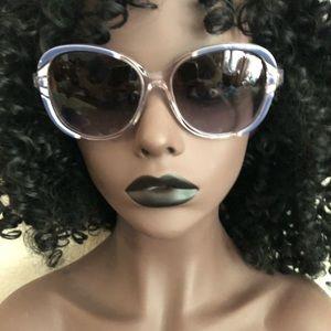 VOGUE 💙 Stunning Sunglasses!